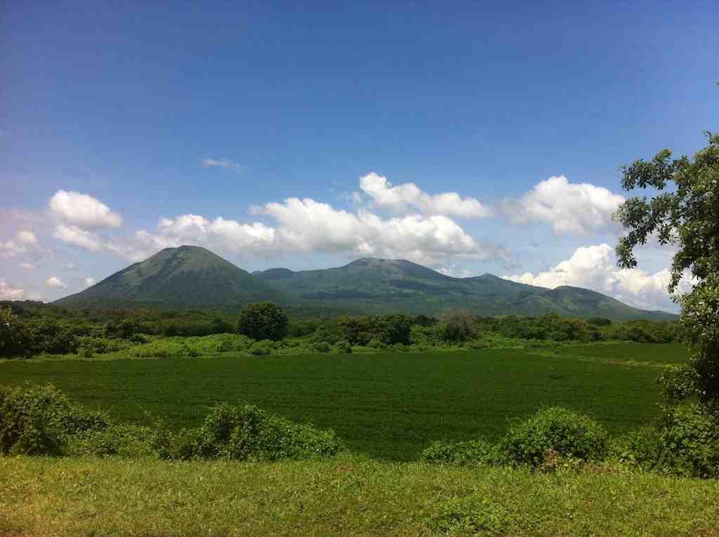 Nicaragua Propiedades - Bienes Raices y La Vida en Nicaragua Montanas y Agricultura.jpg